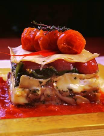 raviolo_z_prawdziwkami_serem_brie_i_pomidorami