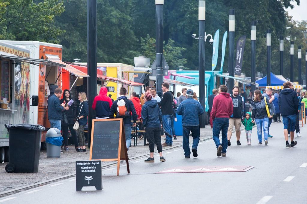"Festiwal Food Trucków. 4. Mistrzostwa Burgerowe ""Warszawska Pyza"". 19-20 sierpnia 2017"